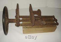 Vintage Richards Wilcox Woodworkers Rapid-Acting Wheeled Turning Handle Vise