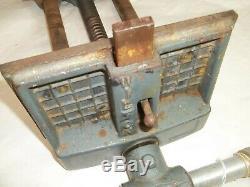 WILTON 4 Deep x 7 Wide Vintage Woodworkers Bench Vise, 1 Diam. Screw